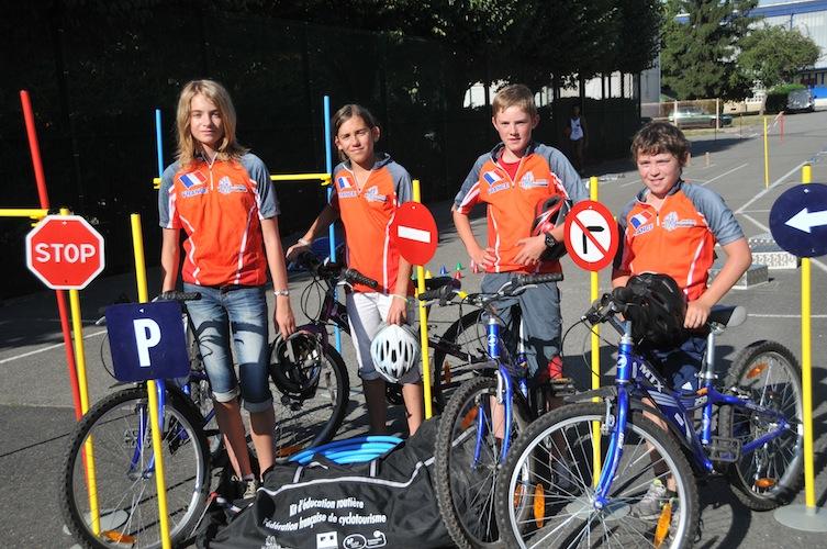 Derniers entraînements pour les jeunes Français qualifiés au Concours européen d'éducation routière à Bar (Monténégro)