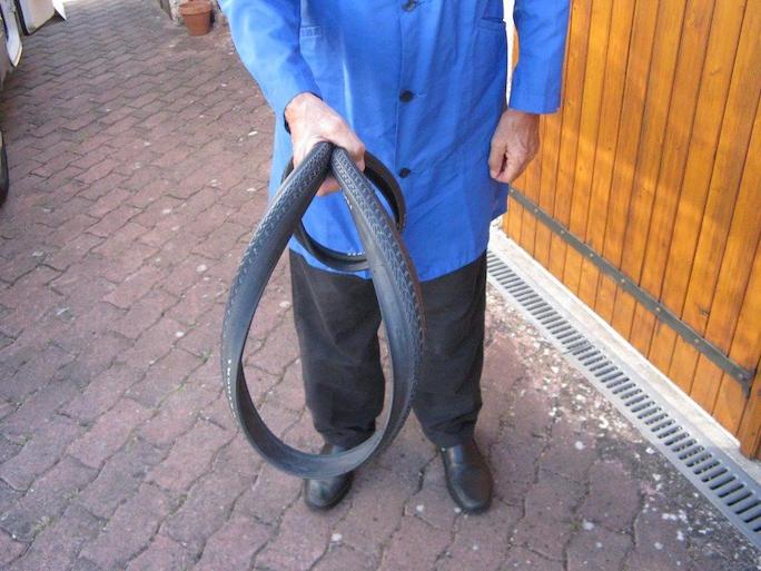 pliage d un pneu a tringles rigides