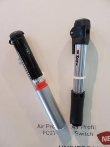 Pompes AIR PROFIL. Avec flexible ou avec adaptateur intégré.