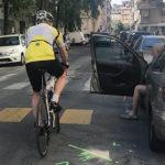 Fiche sécurité: S'écarter du bord droit de la chaussée